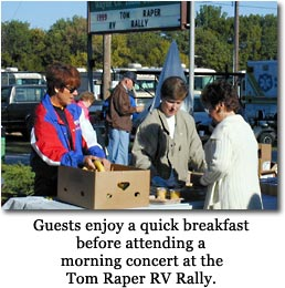 Guests enjoy a quick breakfast before attending a morning concert at the Tom Raper RV Rally.