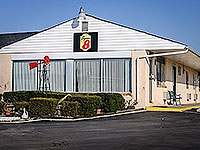Photo: Super 8 Motel, Centerville, IN