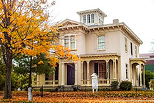 Photo: Scott House in Fall